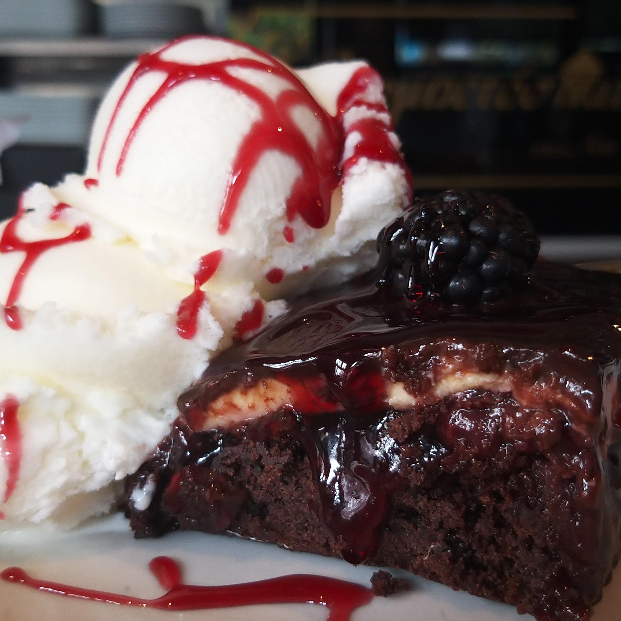 Στο «Σερμπετόσπιτο της Νάνσυ» θα φας τα πιο...κολασμένα γλυκά της ζωής σου