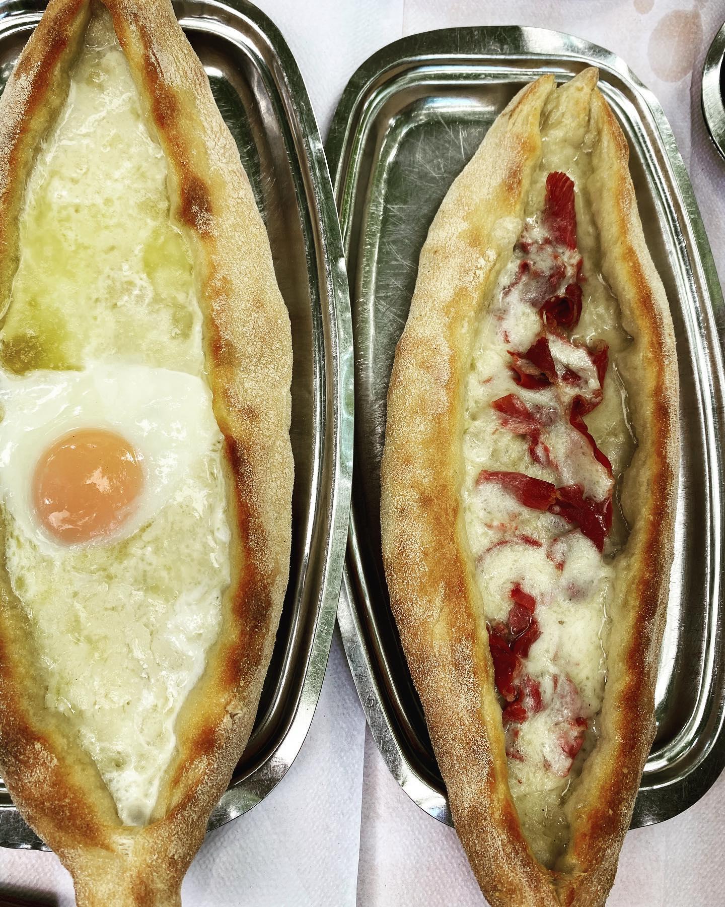 Αν δεν έχεις δοκιμάσει πεϊνιρλί στον Ελευθεριάδη, δεν έχεις δοκιμάσει το διασημότερο της Ελλάδας