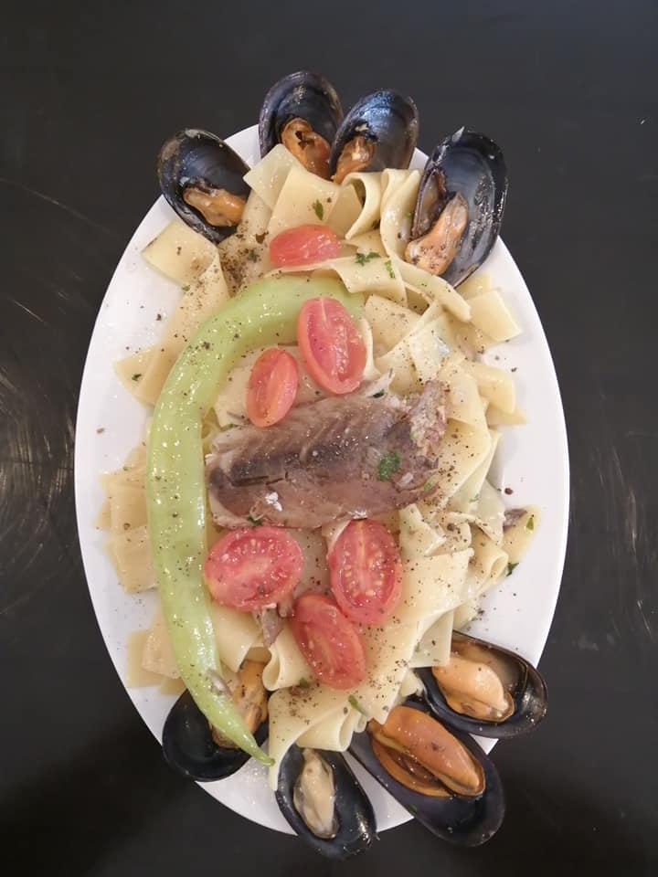Στην Αγορά θα φας τα πιο «πειραγμένα» πιάτα ψαρικών και τα πιο νόστιμα!