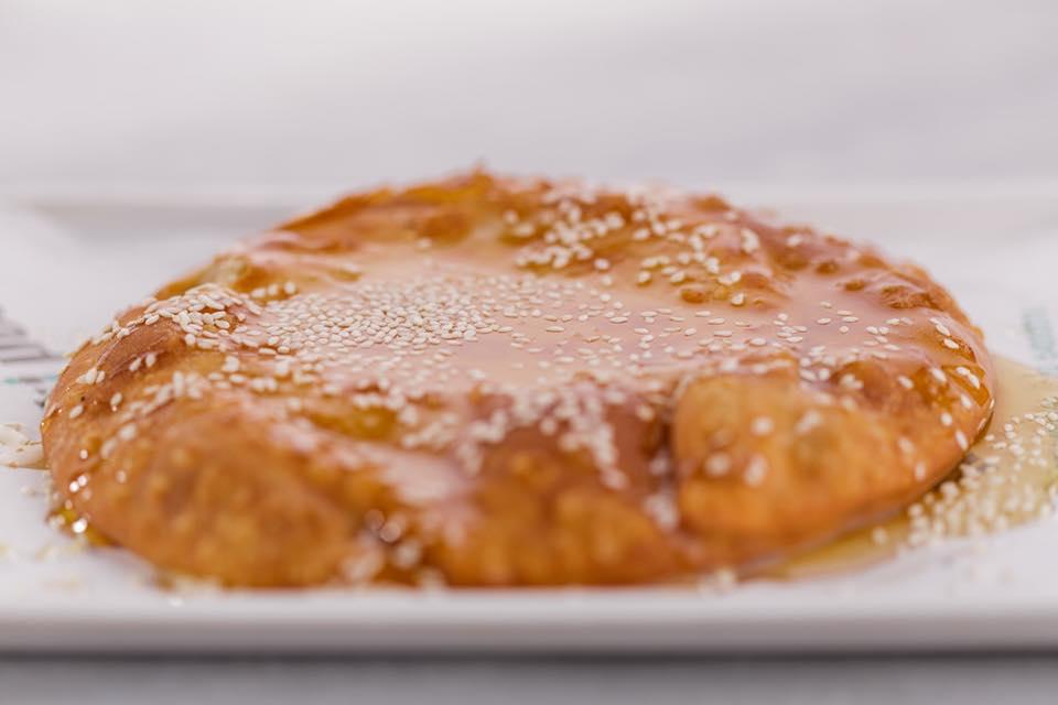 Στο «Filothei 65» εκτός από σουβλάκι, θα φας και την πιο νόστιμη σφακιανή πίτα