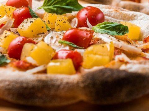 Oh my pinsa: Η πιτσαρία του Παγκρατίου που θα φας την καλύτερη εκδοχή πίτσας