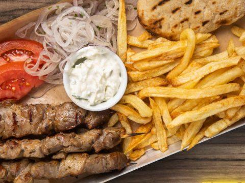 «Dirty Gourmet Souvlaki»: Το street food όπως θέλουμε να είναι