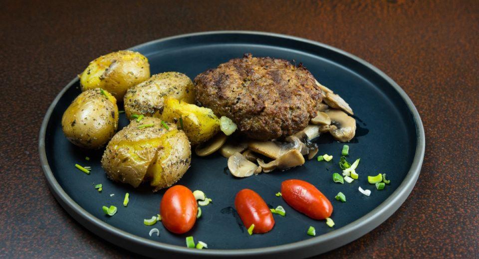 «Κουκουνάρι»: Το αγαπημένο εστιατόριο φέρνει το γιορτινό του μενού στην πόρτα σου