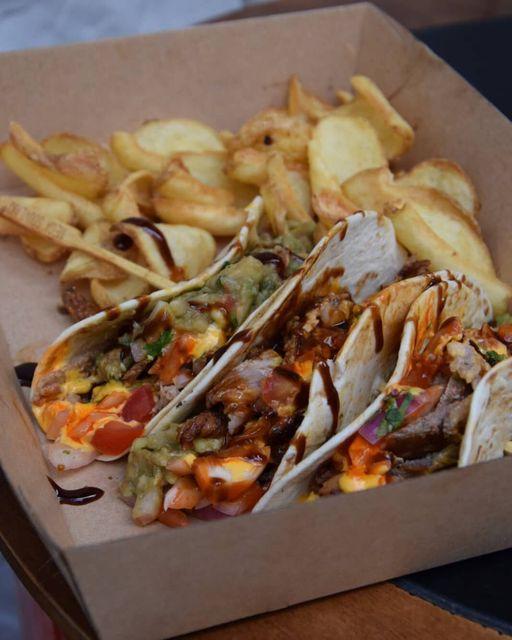 «Το Ξέμπαργκο»: Η έθνικ σουβλακερί στην οποία θα βρεις από γύρο χοιρινό μέχρι burritos