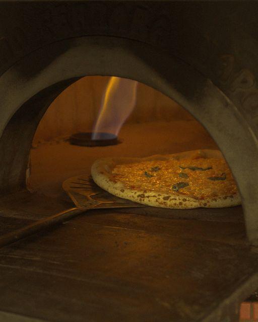 Granello Pizza: Αν αγαπάς τις ναπολιτάνικες πίτσες, βρήκαμε που πρέπει να φας άμεσα!
