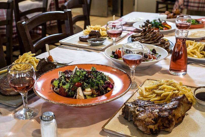«George's Steakhouse Μπιφτεκούπολη»: Είσαι έτοιμος να συστηθείς με το πιο νόστιμο μπιφτέκι της Αθήνας;