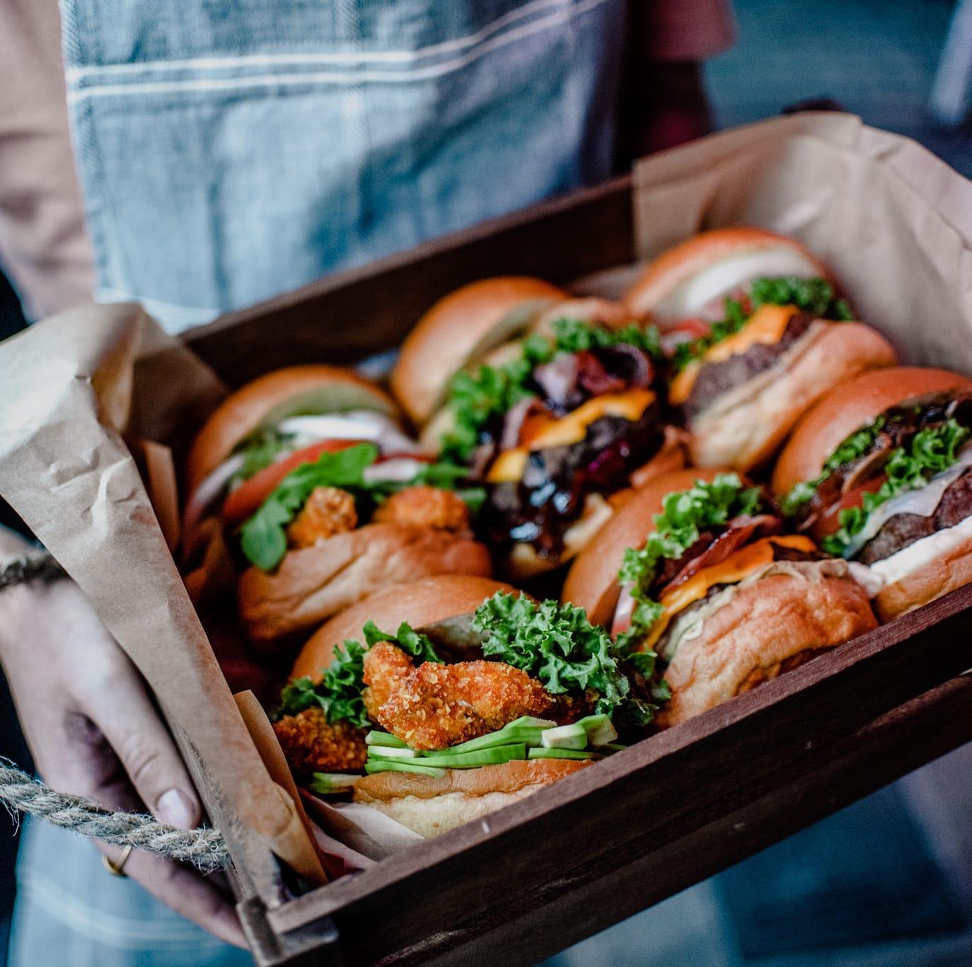Σταμάτα ό,τι κάνεις και δοκίμασε burger στο «Soho»