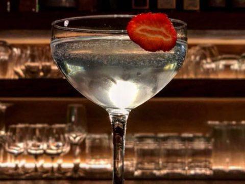 The Clumsies: Δώσε ραντεβού στο καλύτερο cocktail bar του κέντρου