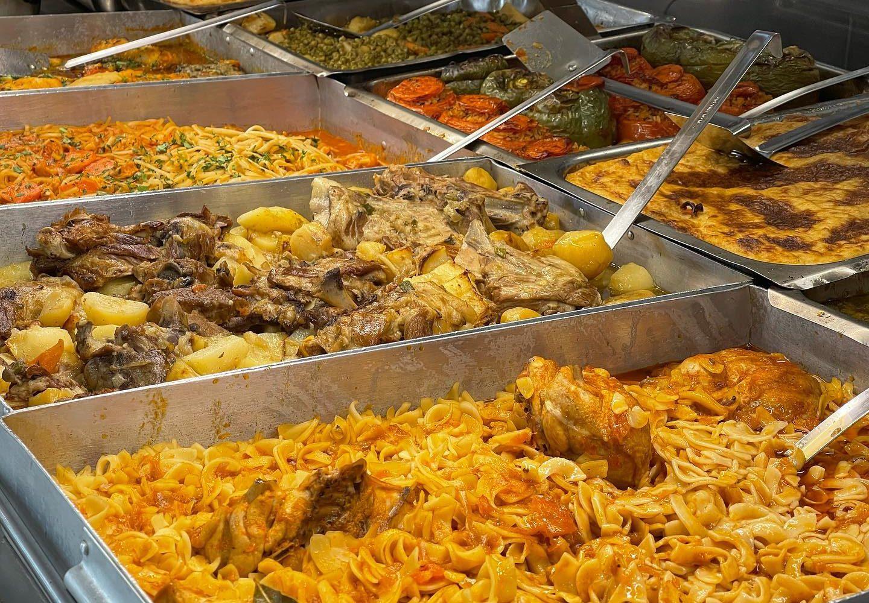 Μαρτίνης: Ταξίδι στο χρόνο με το πιο γευστικό μαγειρείο στην καρδιά της Πατησίων